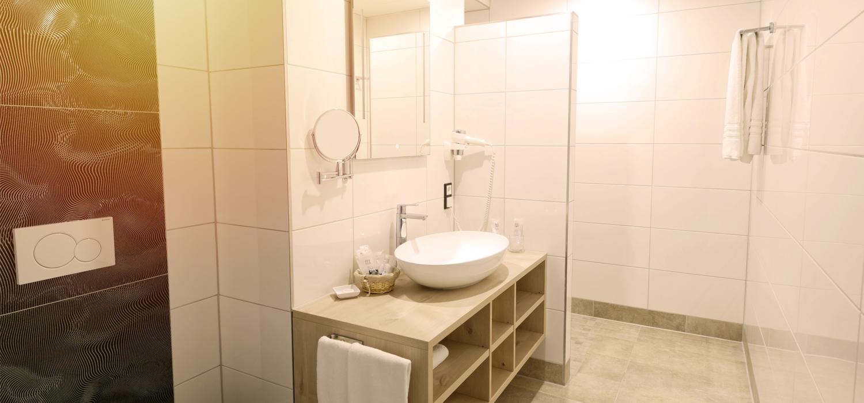 Badezimmer der Junior Suite im Hotel Burgschänke Alpen